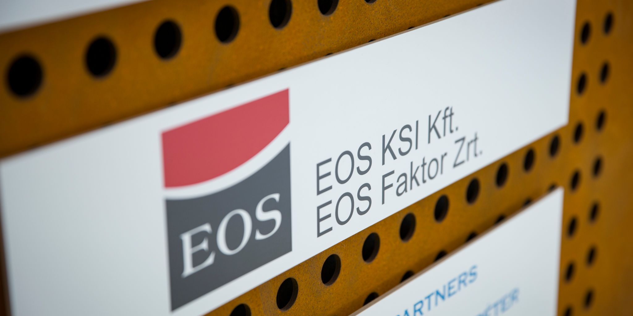 NPL-Deal: EOS KSI unterzeichnet besicherten Forward-Flow-Deal in Ungarn.