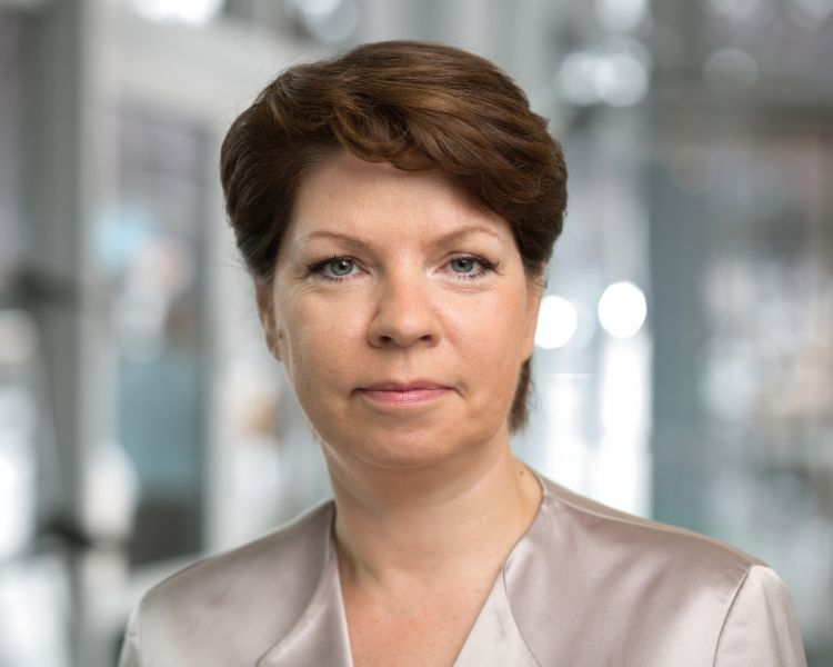 Portrait von Kirsten Pedd, Chief Compliance Officer und Head of Public Affairs
